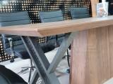 Signature Vip Meeting Table