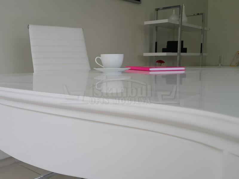 Lukens Lake Alta White Office Desk