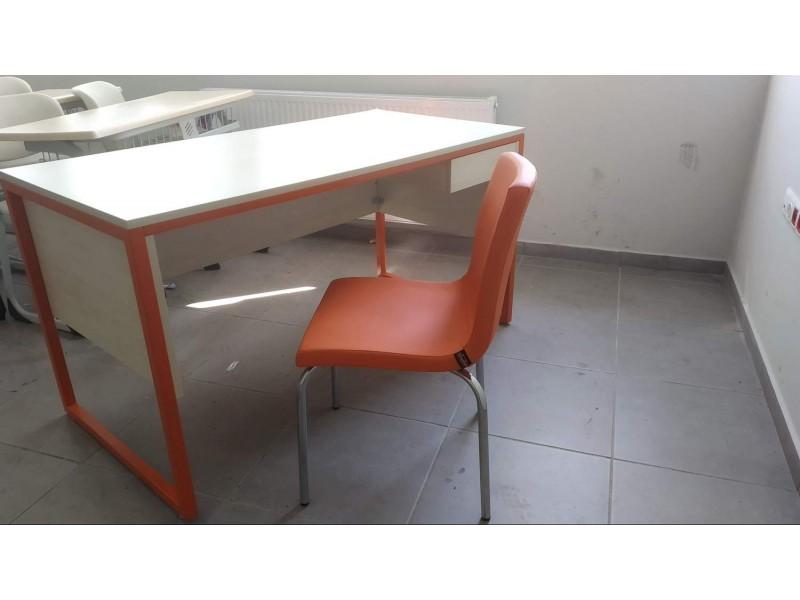 Teacher Table