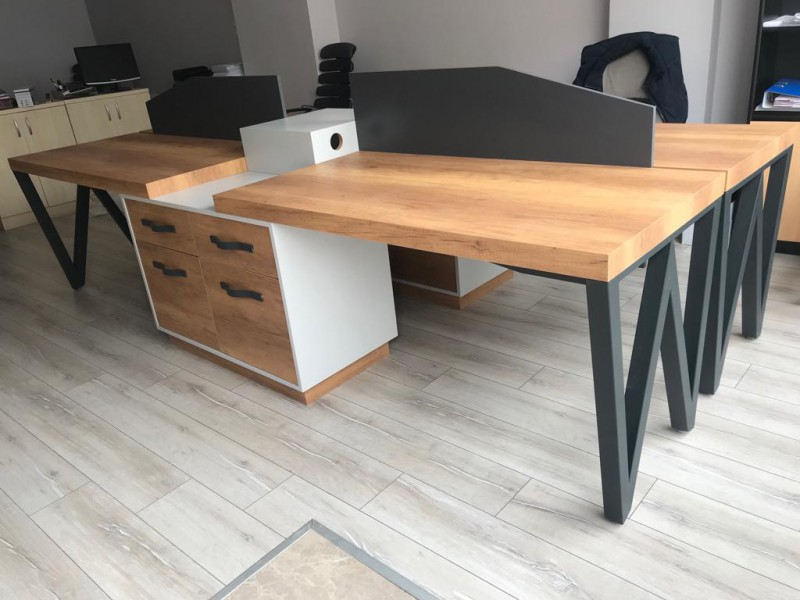 Star Desk for Four Person